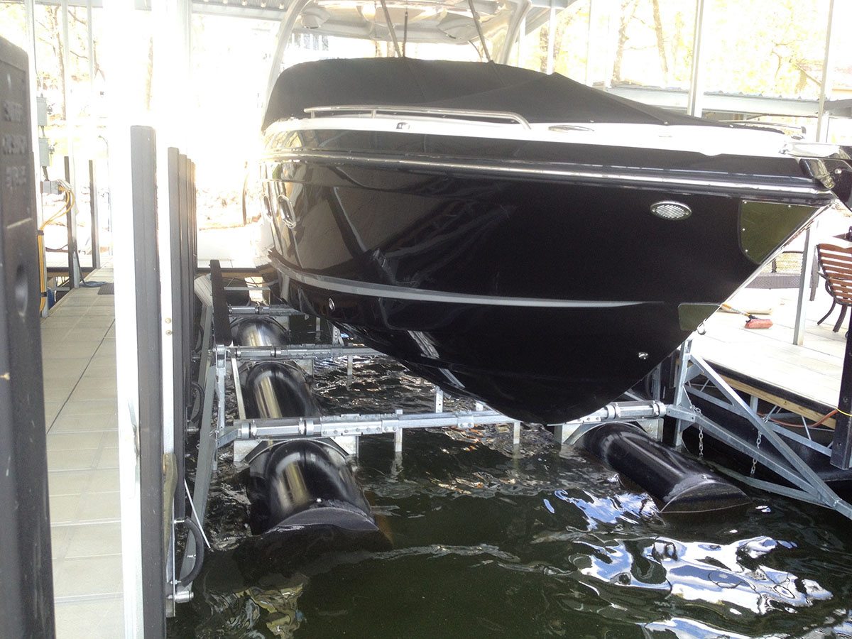 14,000 lb capacity boat lift