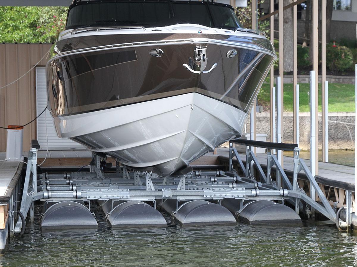 20,000 lb capacity boat lift